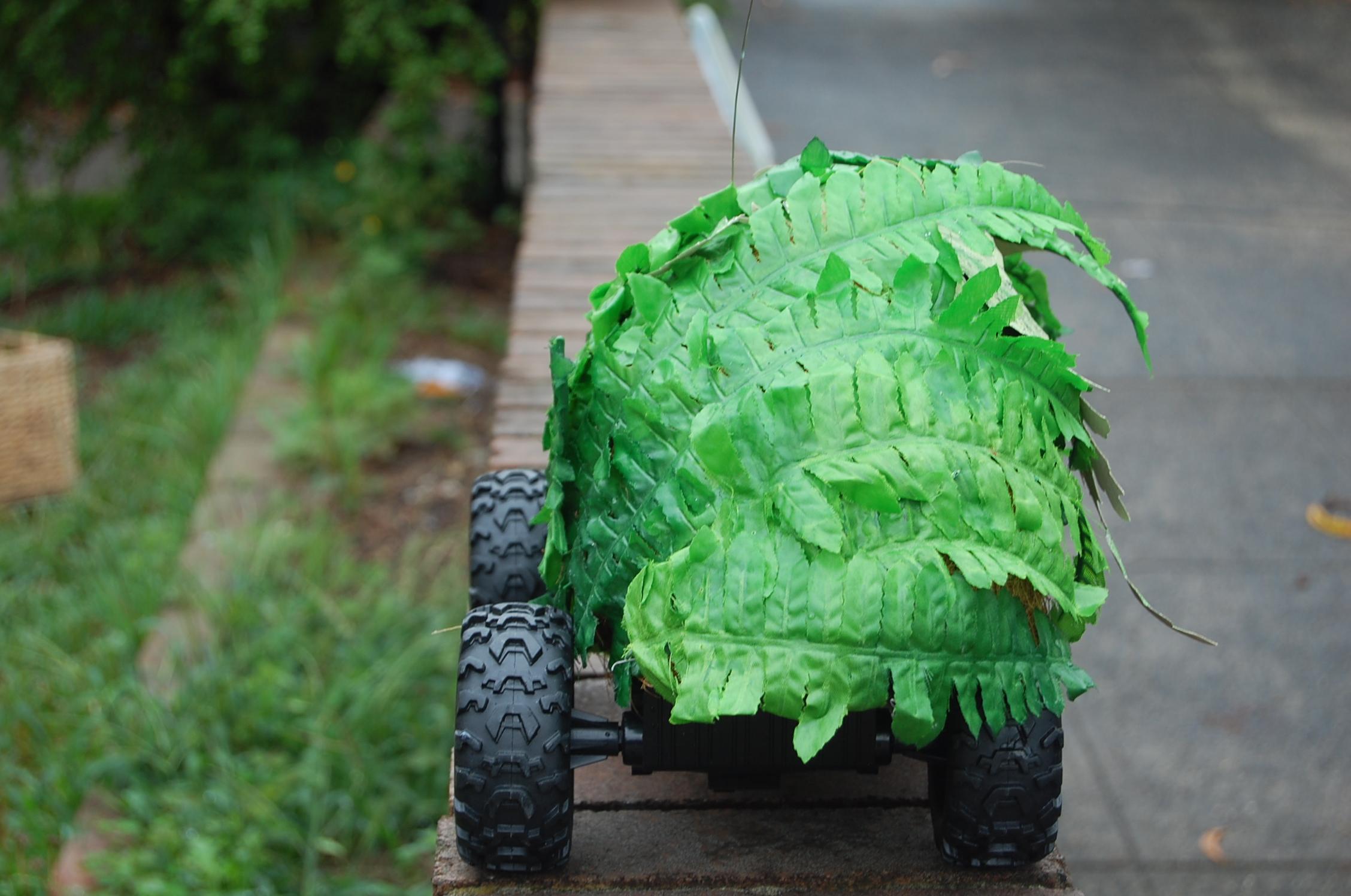 Remote Control Garden (detail)30cmx 25cm, plastic foliage, paper, toy RC vehicl